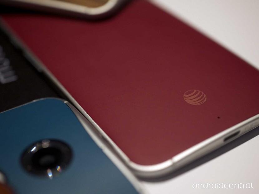 Личная информация от клиентов, скомпрометированная нарушением авторских прав в AT & T