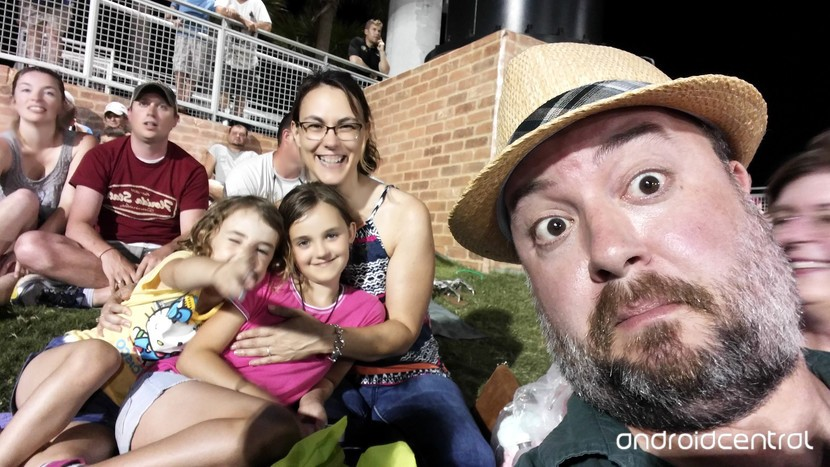 Фил и семья