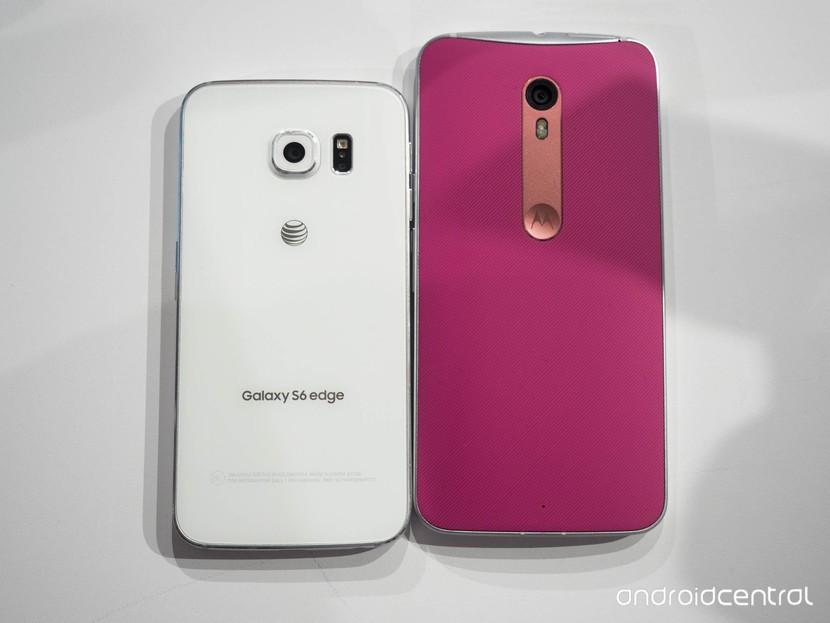 Samsung Galaxy S6 край против Moto X Style: спинки