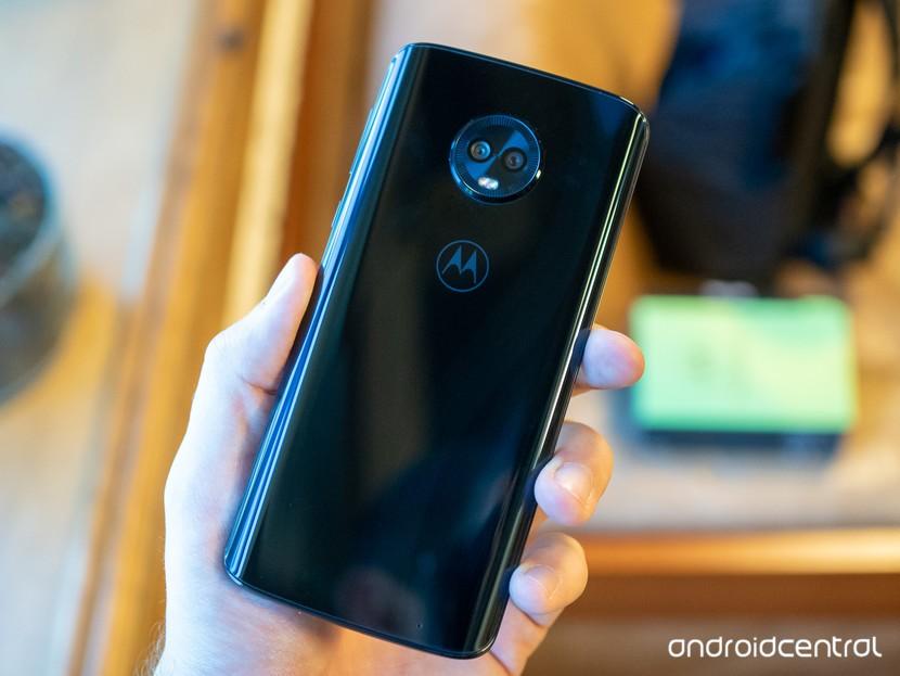 Мото G6 Plus против Xiaomi Redmi Note 5 Pro