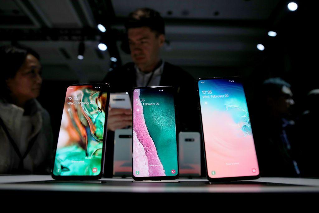 Смартфоны Samsung Galaxy S10