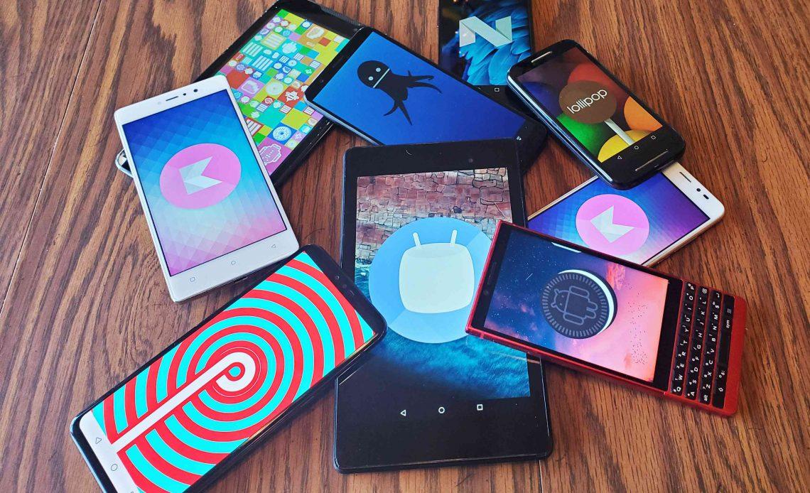 Куча телефонов Android с пасхальными яйцами на экранах