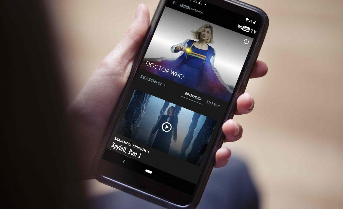 Потоковое BBC America онлайн с помощью телефона.