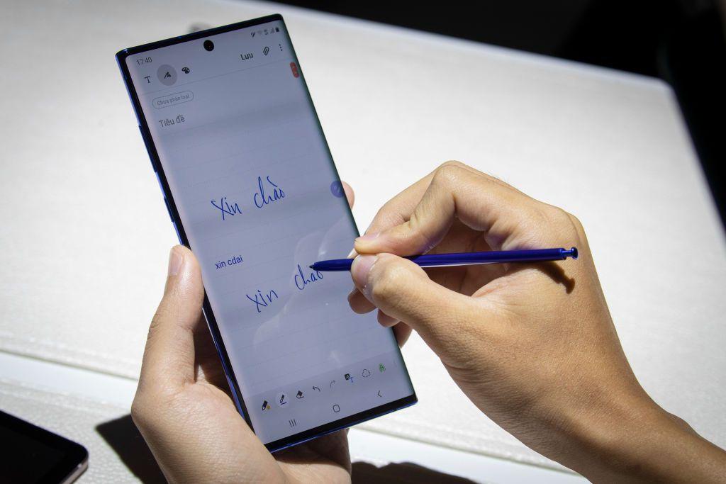 Телефон Samsung показывает использование стилуса