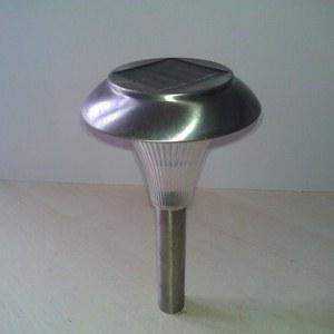 Разобрать и переработать старые садовые солнечные лампы для технических проектов