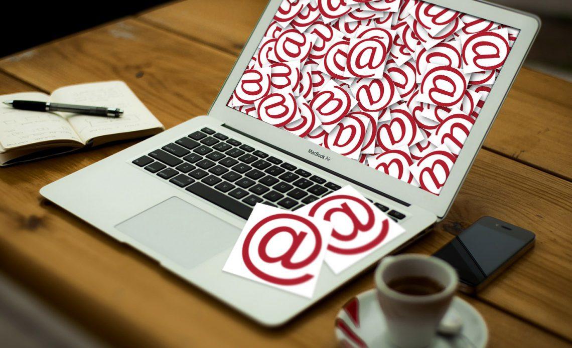 Не можете откладывать электронную почту каждое утро? Попробуйте этот ритуал вместо