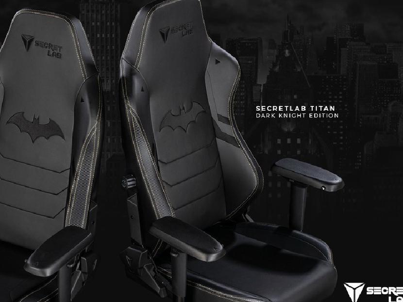 Secretlab обнимает Темного Рыцаря с юбилейным креслом Бэтмена
