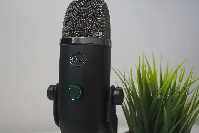 Cheap microphone for streaming: Blue Yeti X review